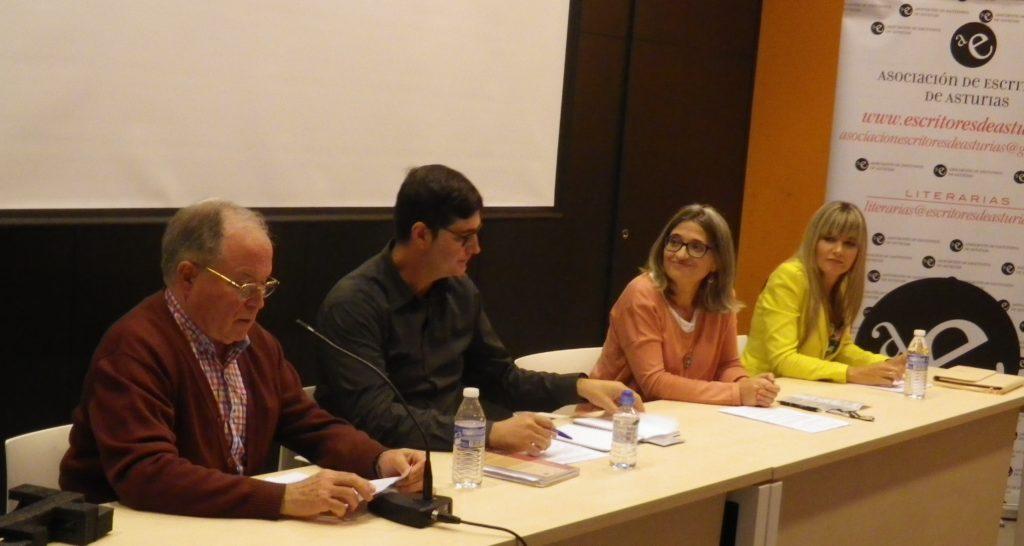 Presenta: Ángel García Prieto. Ponentes: Eva Iñesta, Raquel Baeza y David Fueyo